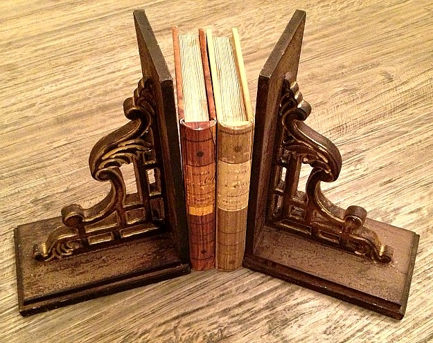 gold bookends2